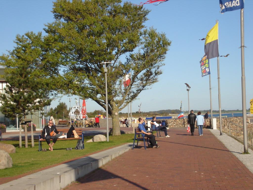 Eckernförde Am Hafen mit Handgemach