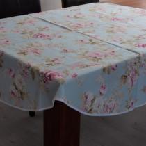 Tischdecke Große Rose auf Hellblau